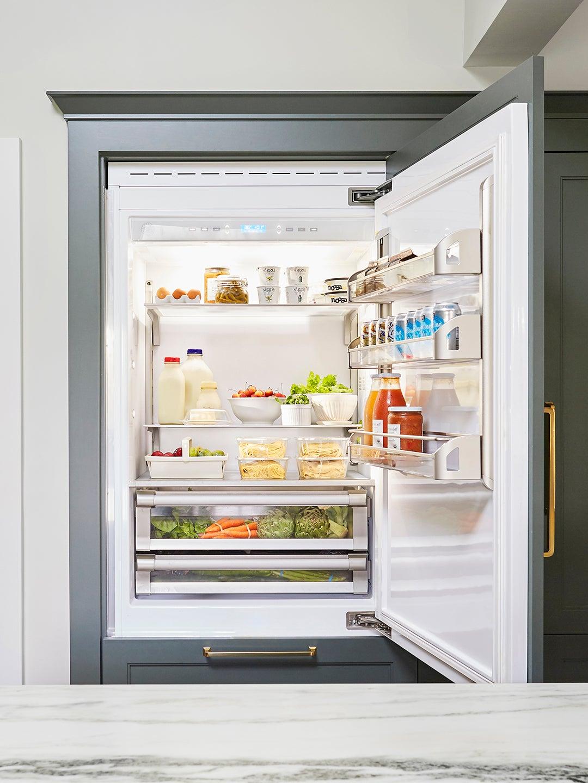 fridge-organizing-domino
