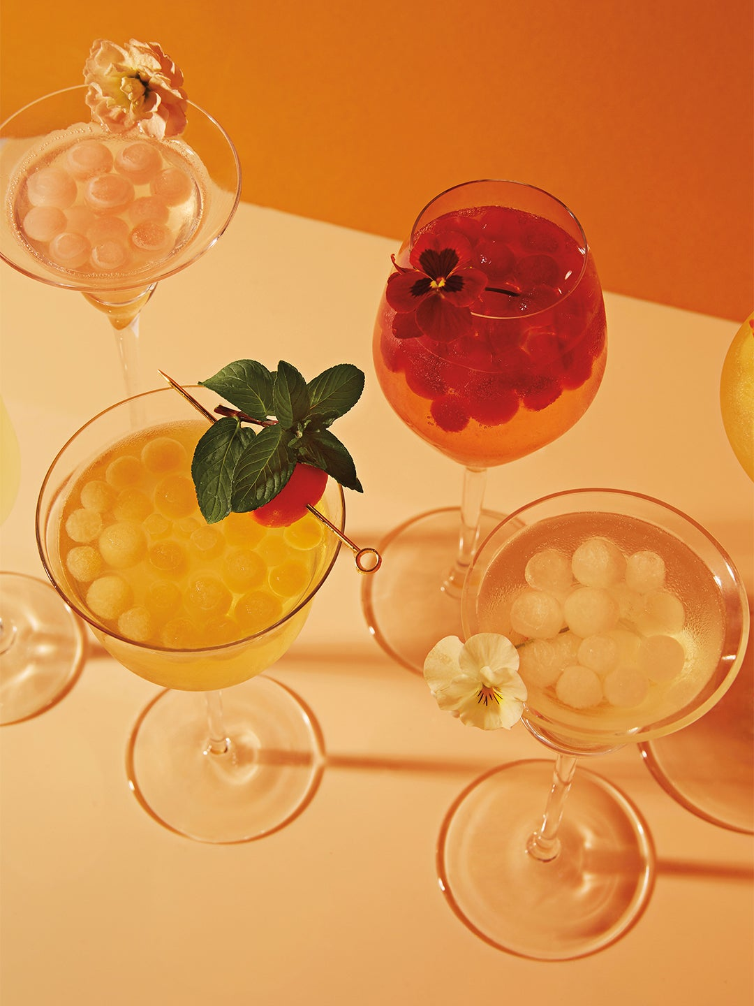 Drinks with circular ice cubes