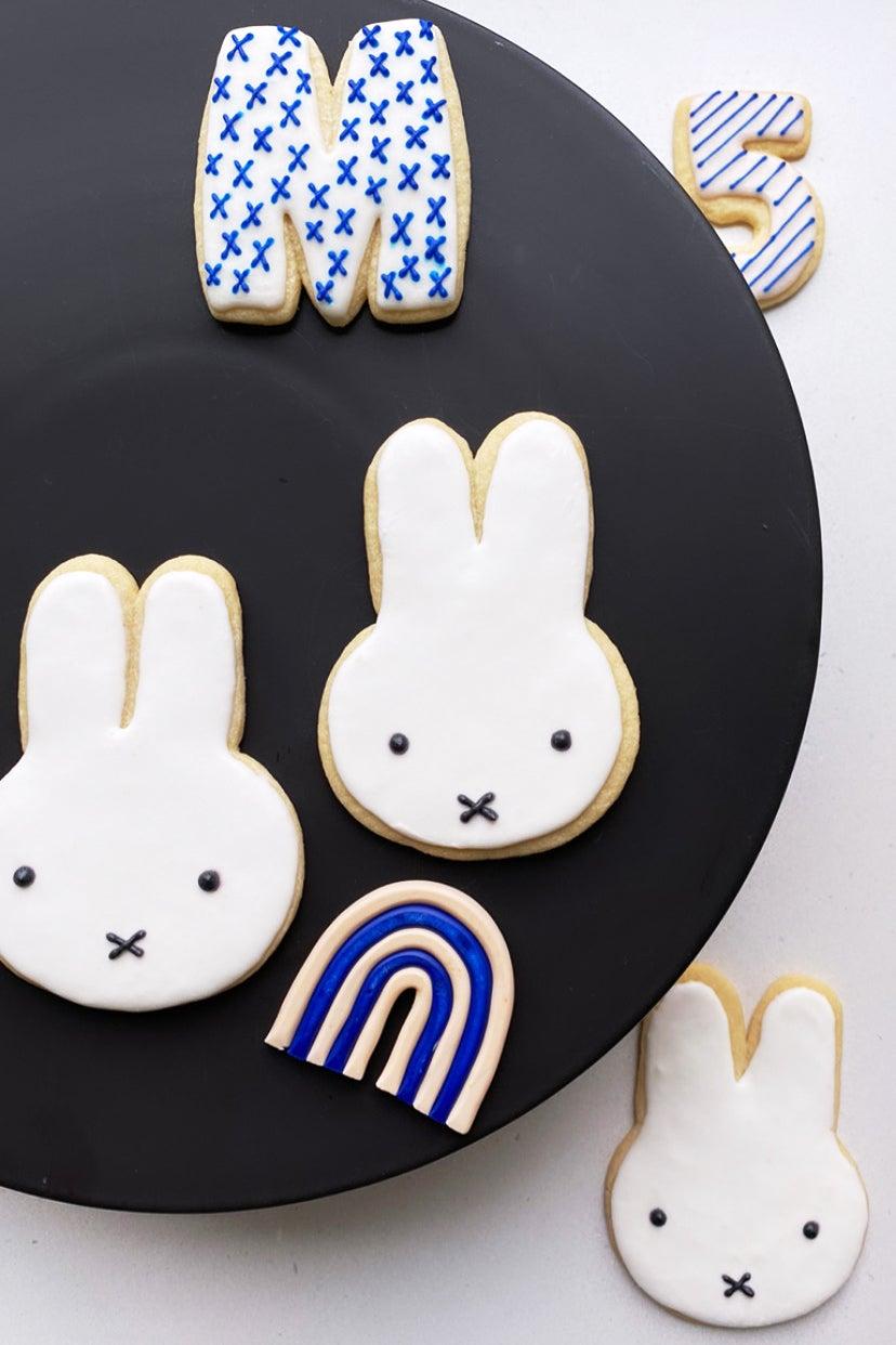 cookie shaped like bunnies