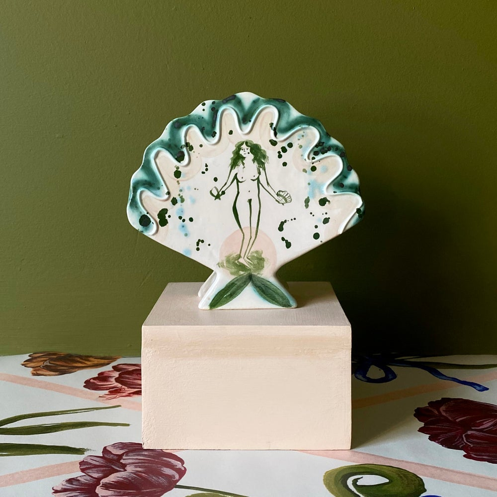 Venus Shell - Romantic Vase