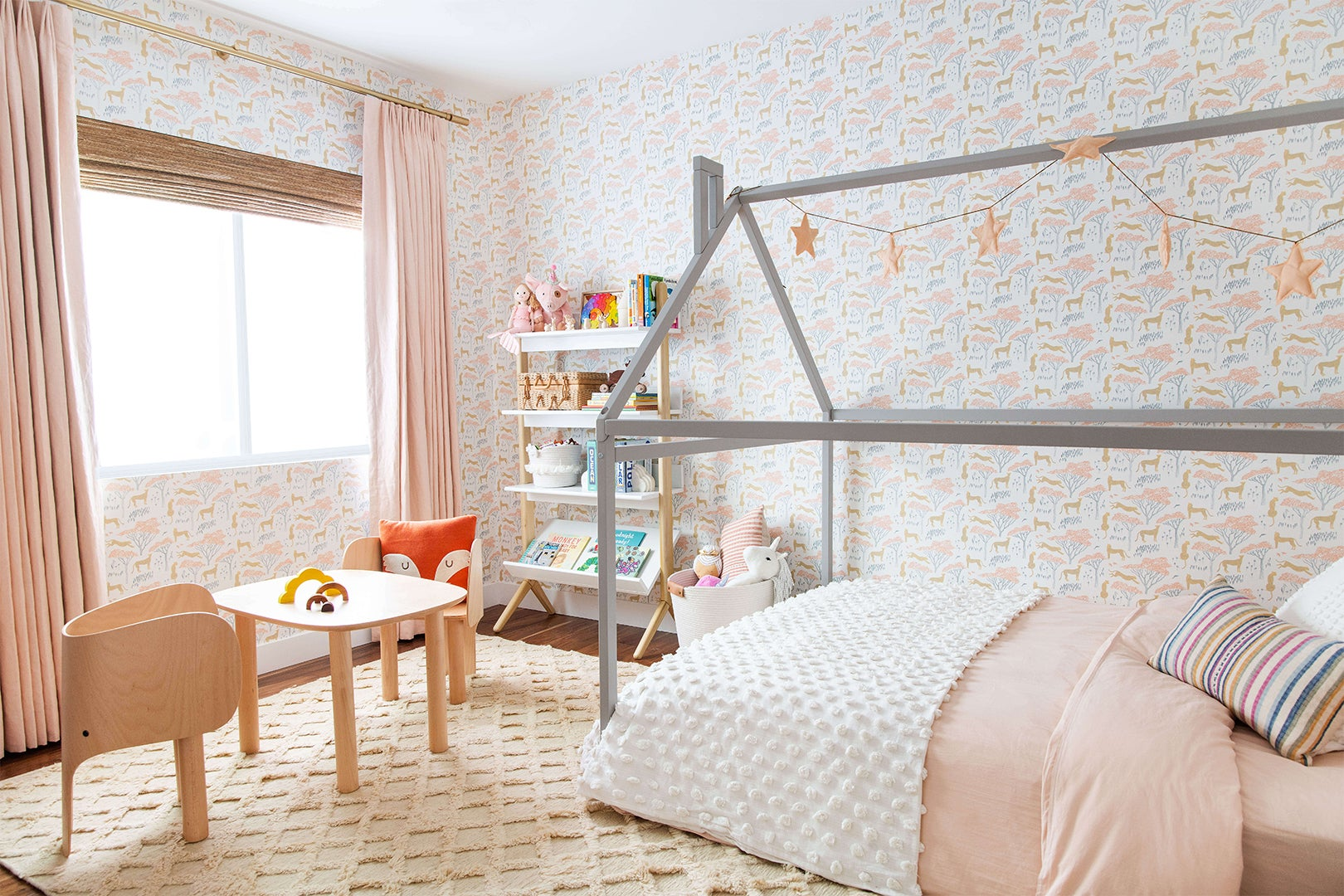 00-FEATURE-kids-room-wallpaper-renovation-domino