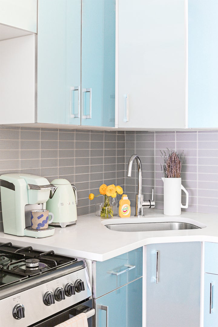 blue ombre kitchen cabinets