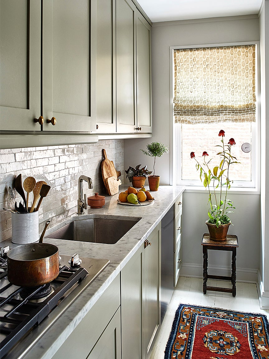 00-FEATURE-small-kitchen-organizing-domino