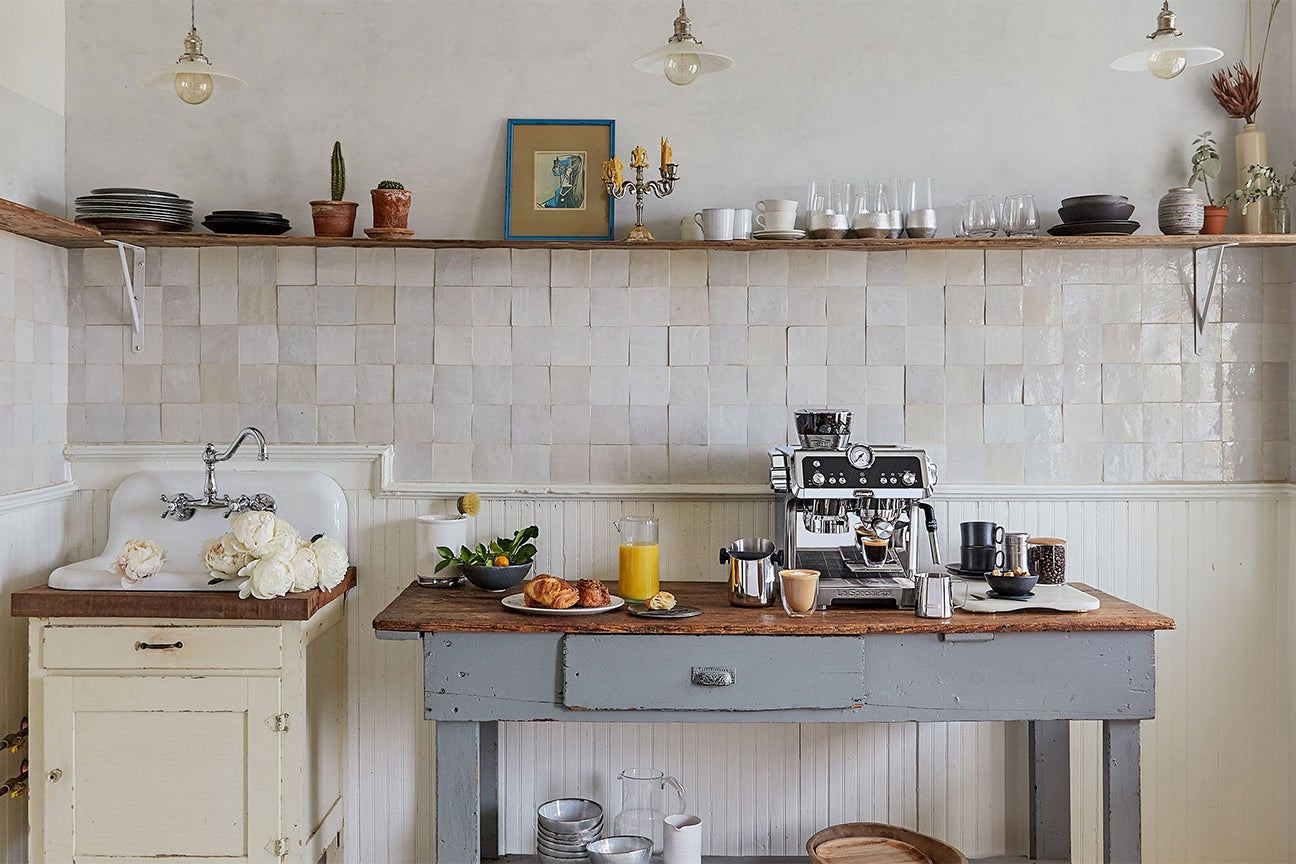 5 Distressed Kitchen Cabinets That Really Bring The Charm