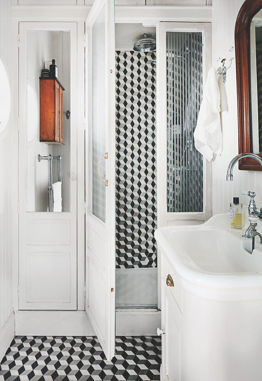 00-FEATURE-how to tile bathroom domino