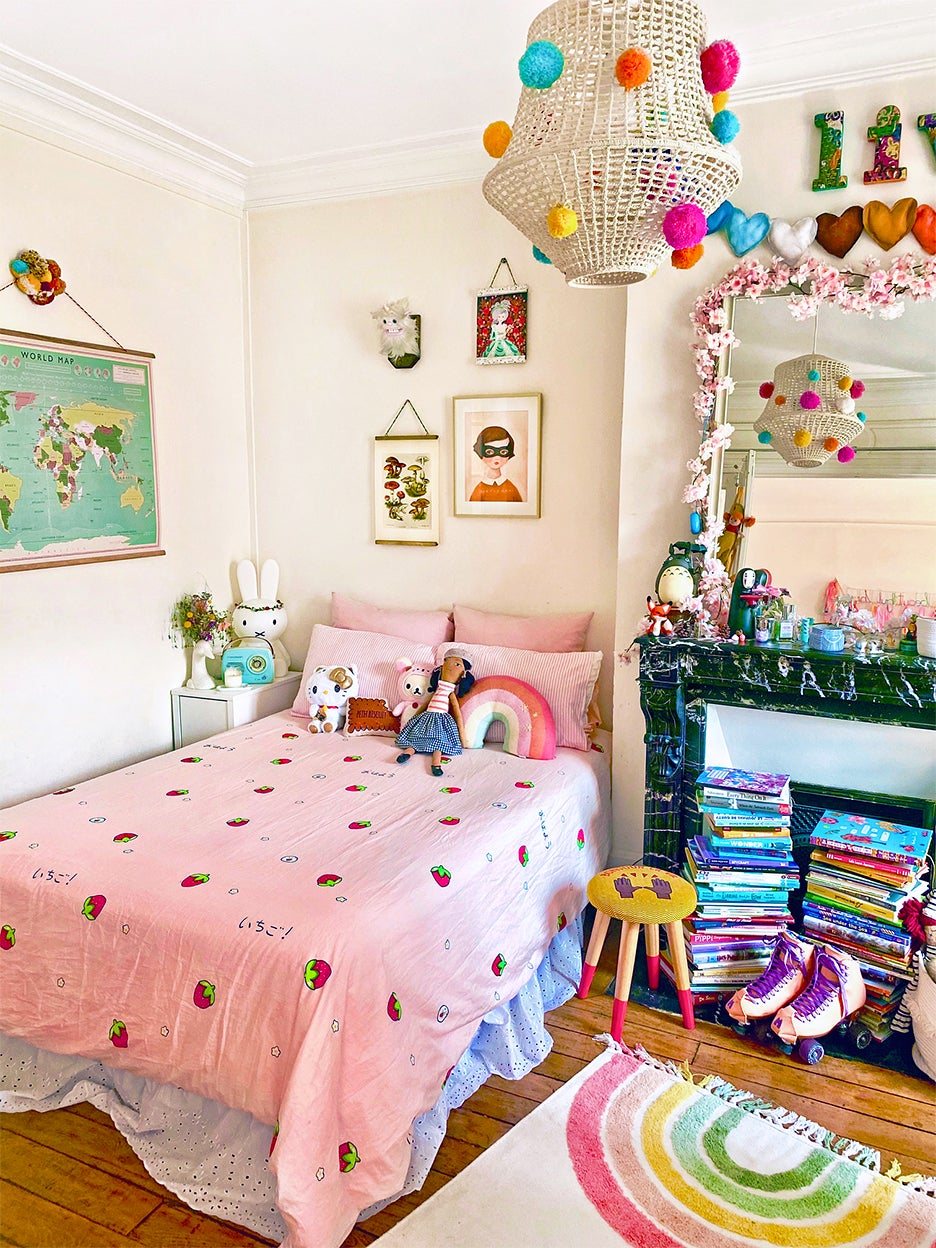 Kid's colorful bedroom