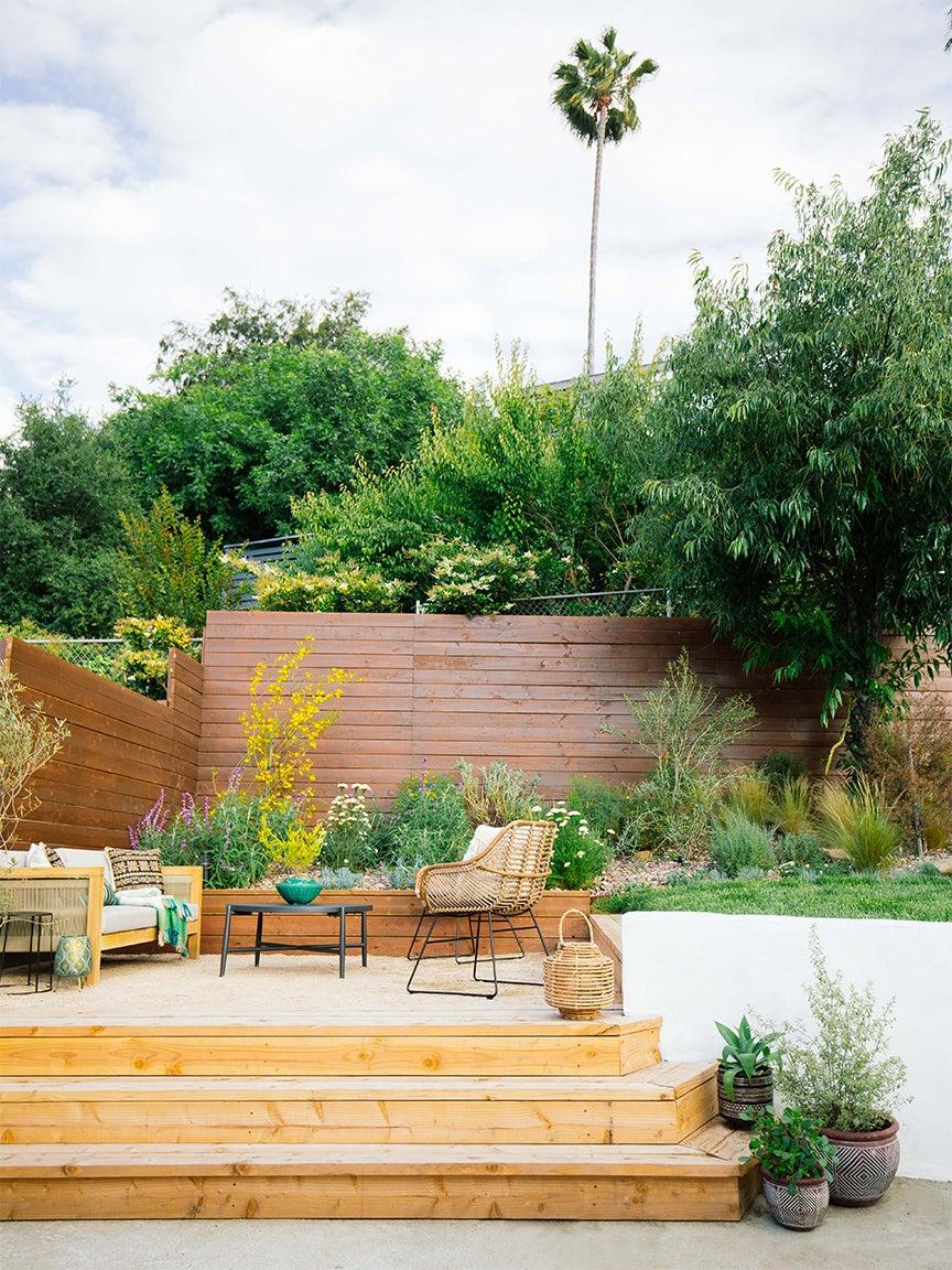 outdoor garden and gravel sitting area