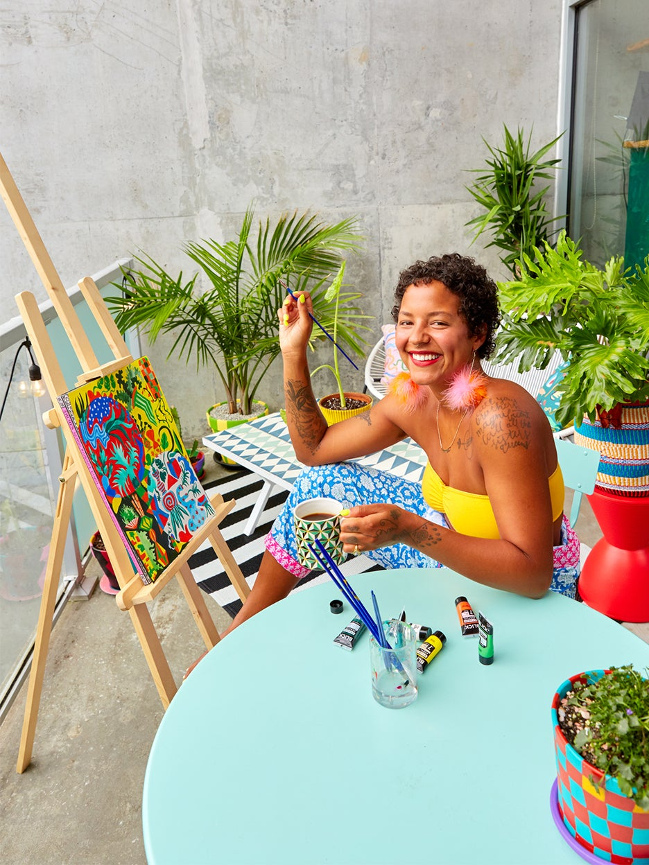 00-FEATURE-michelle-norris-colorful-patio-domino