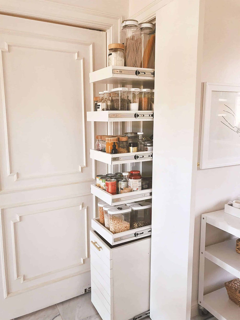 Pantry with narrow pull-out shelves