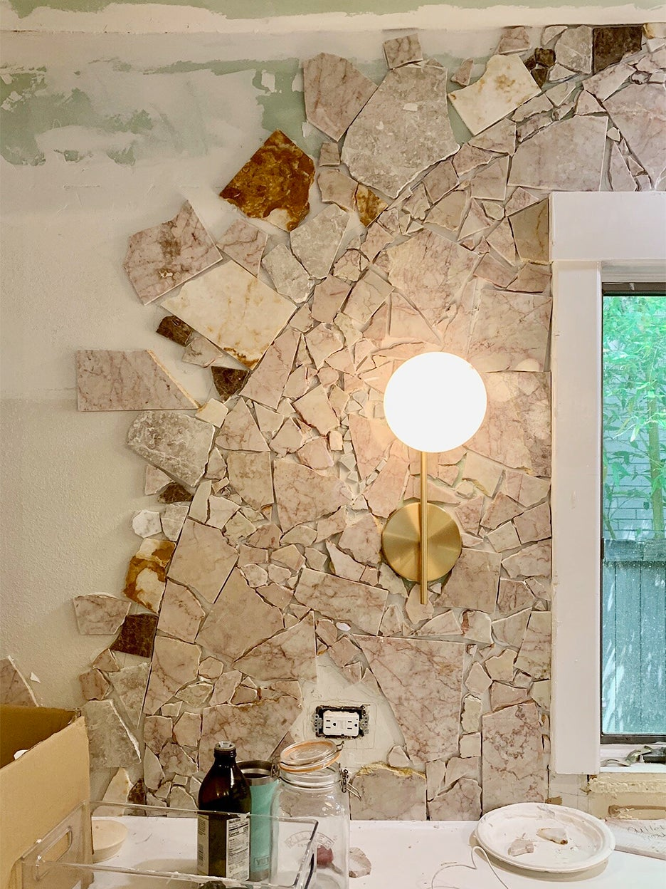 wall covered in marble cunks