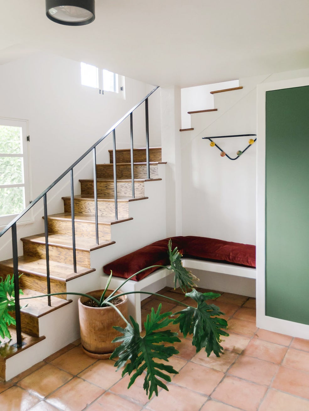00-FEATURE-Entryway-Plaster-Built-Ins-domino