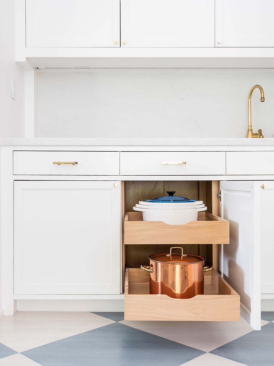Dutch ovens in pull-out drawer