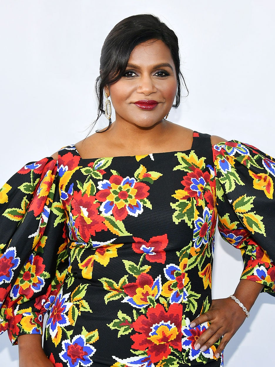 mindy-Kaling-couch-domino
