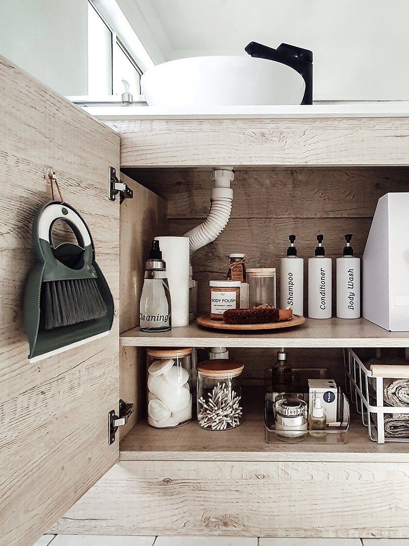 6 Under Sink Storage Ideas That Will Bring Peace To Your Bathroom