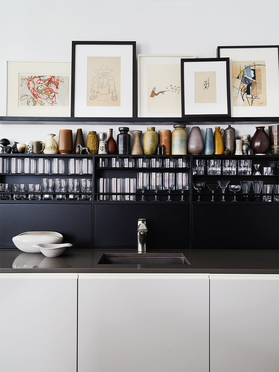 Tidy kitchen counter