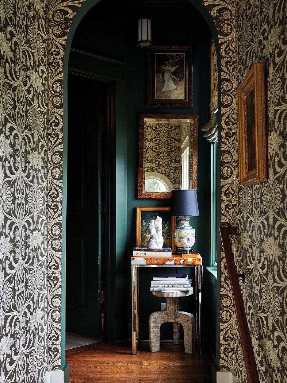 Dark wallpaper in staircase