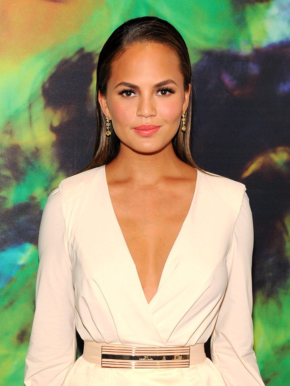 chrissy-teigen-headboard-domino