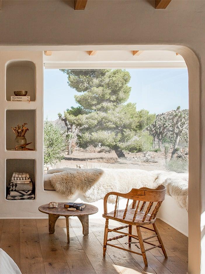 window corner with bench