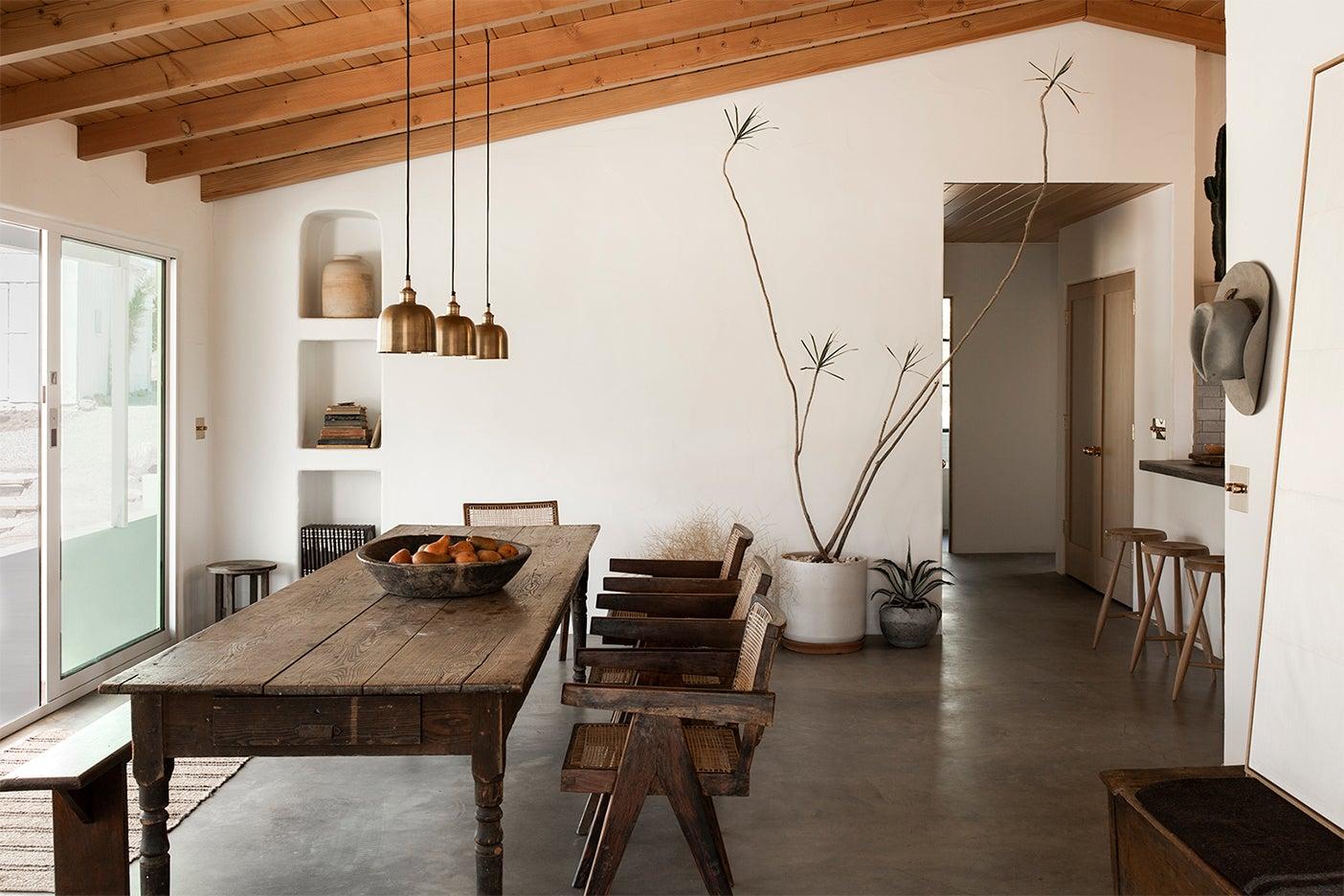 minimalist desert dinign area