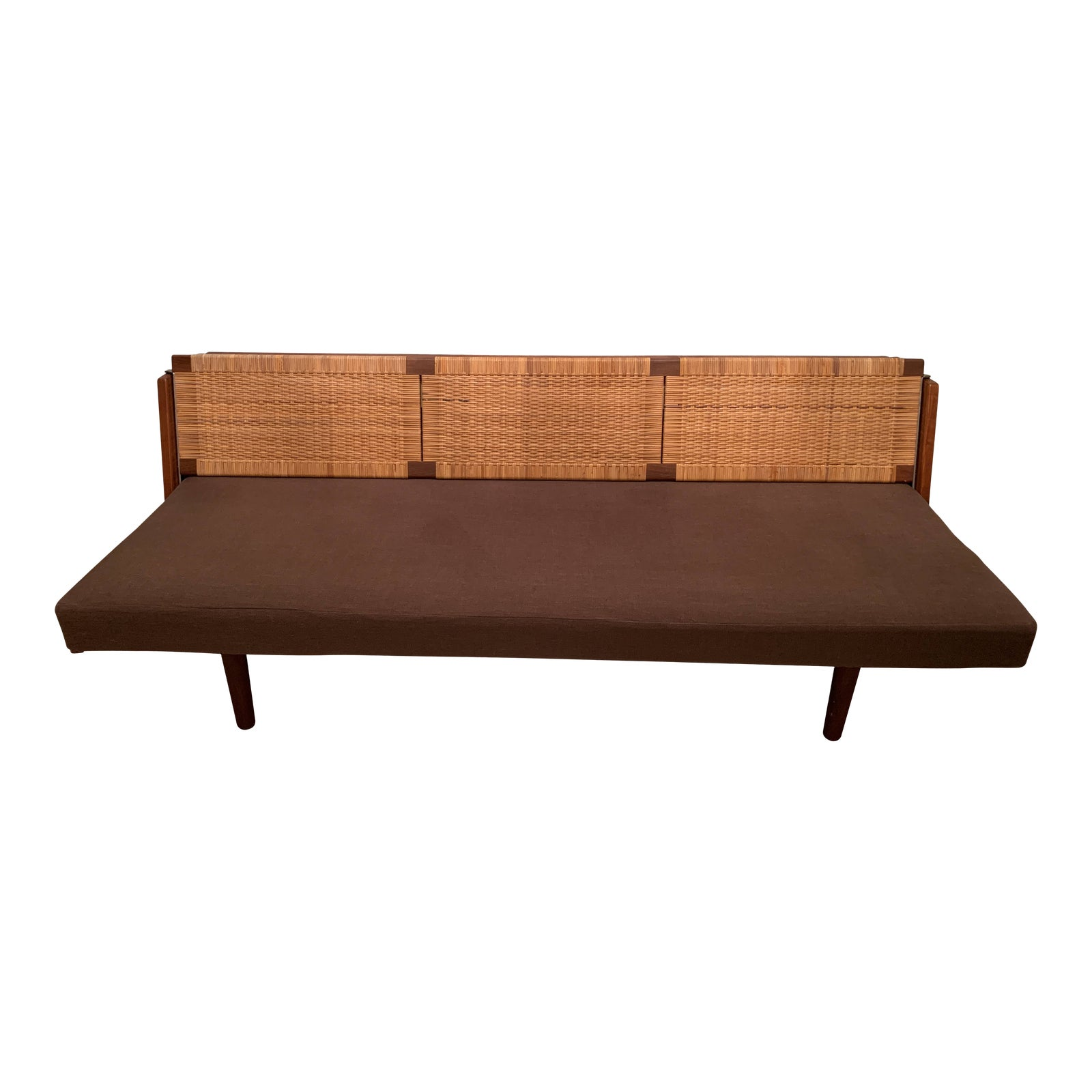 1950s-vintage-hans-wegner-for-getama-wood-and-rattan-daybed-3457