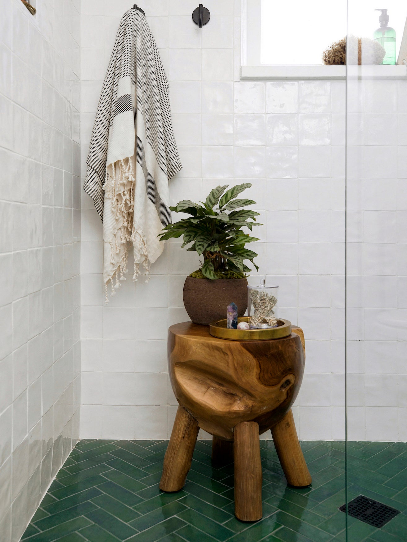 A Few Decor Swaps Turned This 5-by-7 Bathroom Into a Hammam Spa