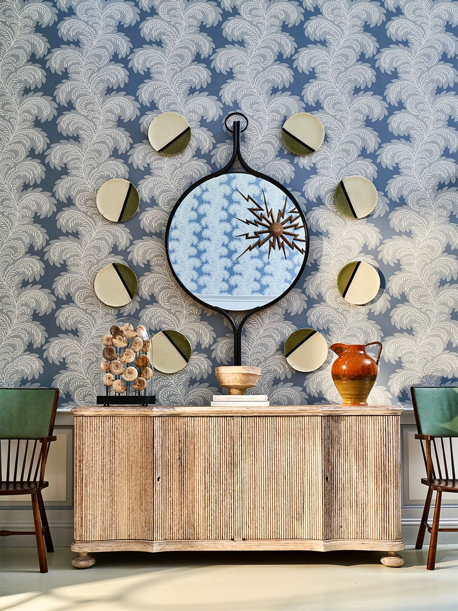 00-FEATURE-mayflower-inn-wallpaper-domino