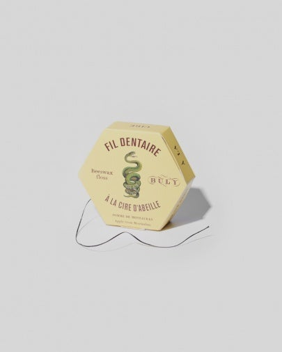 dental-floss-apple-from-montauban