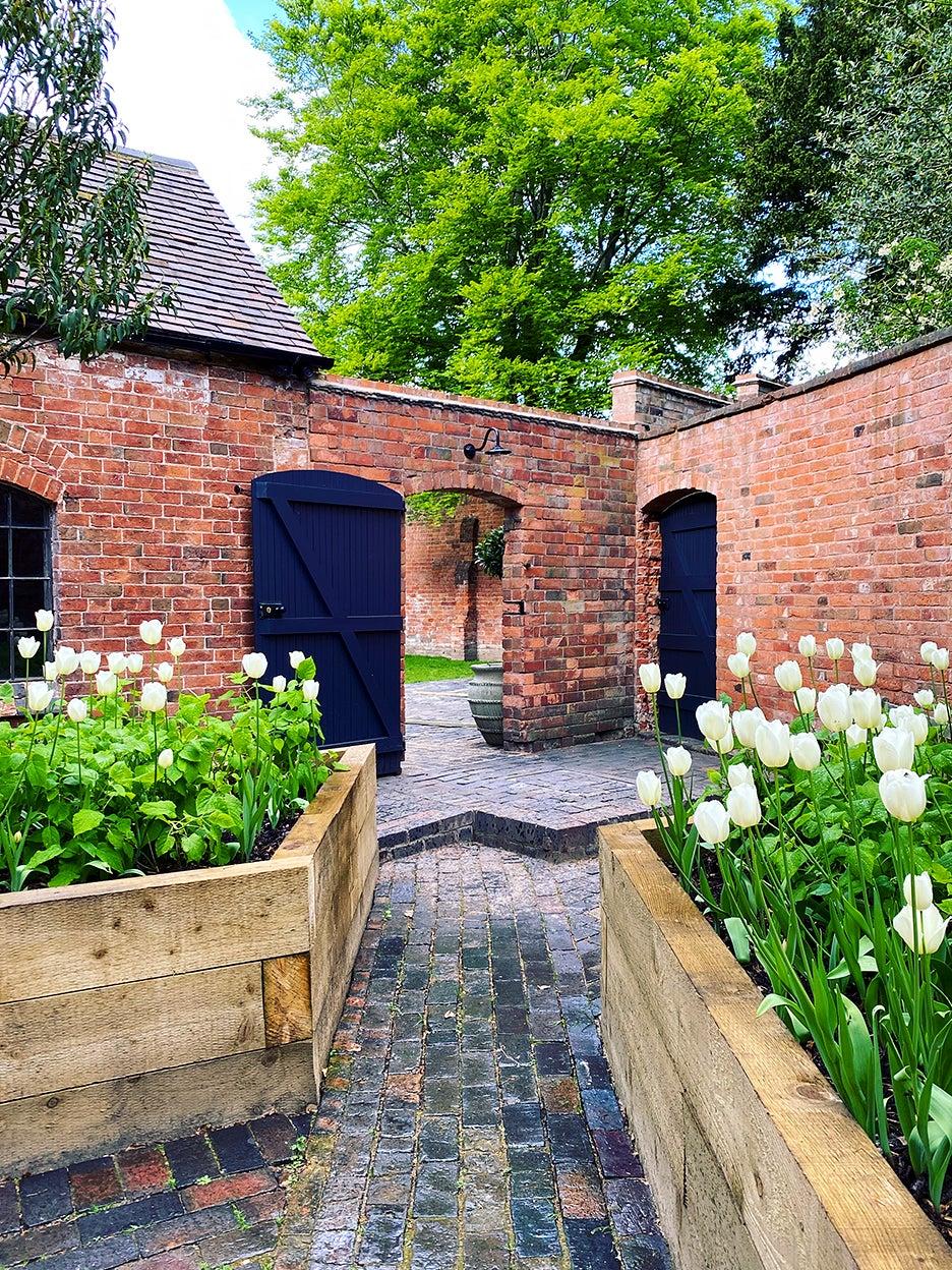 Courtyard wth brick walls