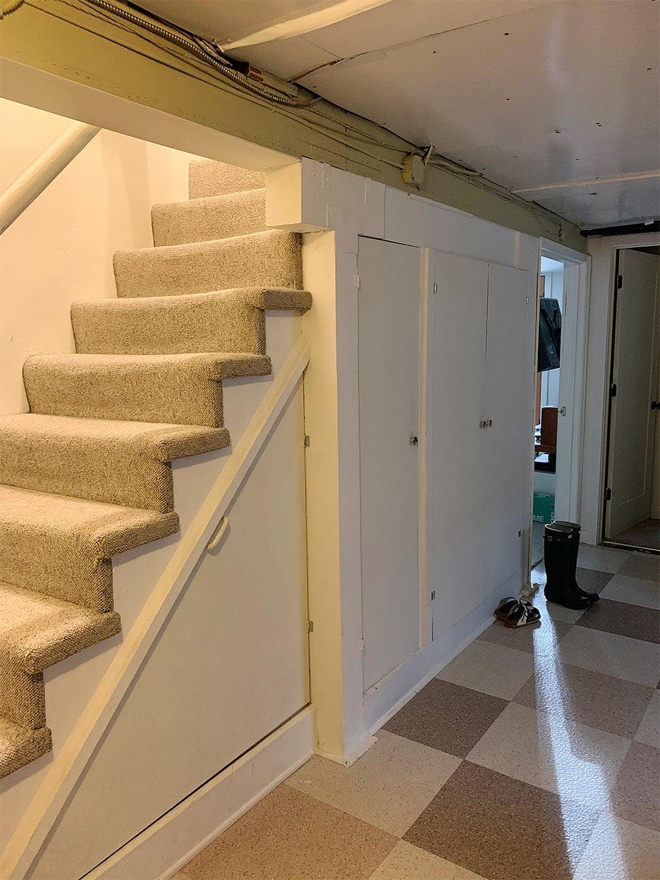 dingy stair carpet basemetn