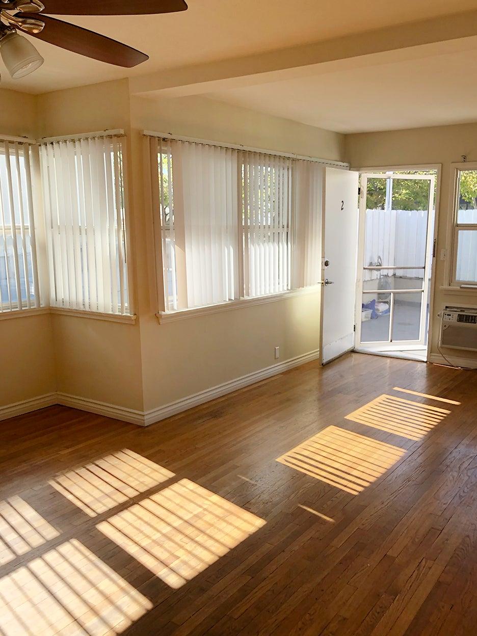 beige empty room