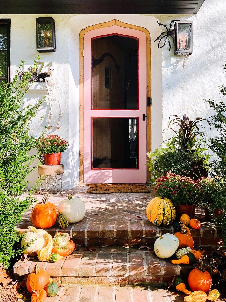 pumpkins on front stoop