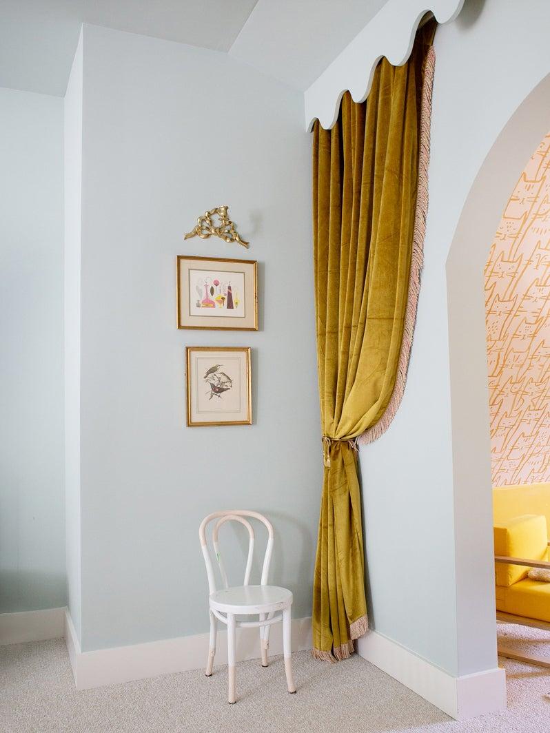 Gold velvet curtain in kids room