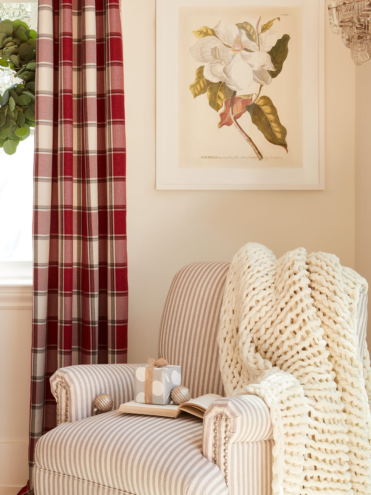 This Holiday Decorate With Texture, Not Color