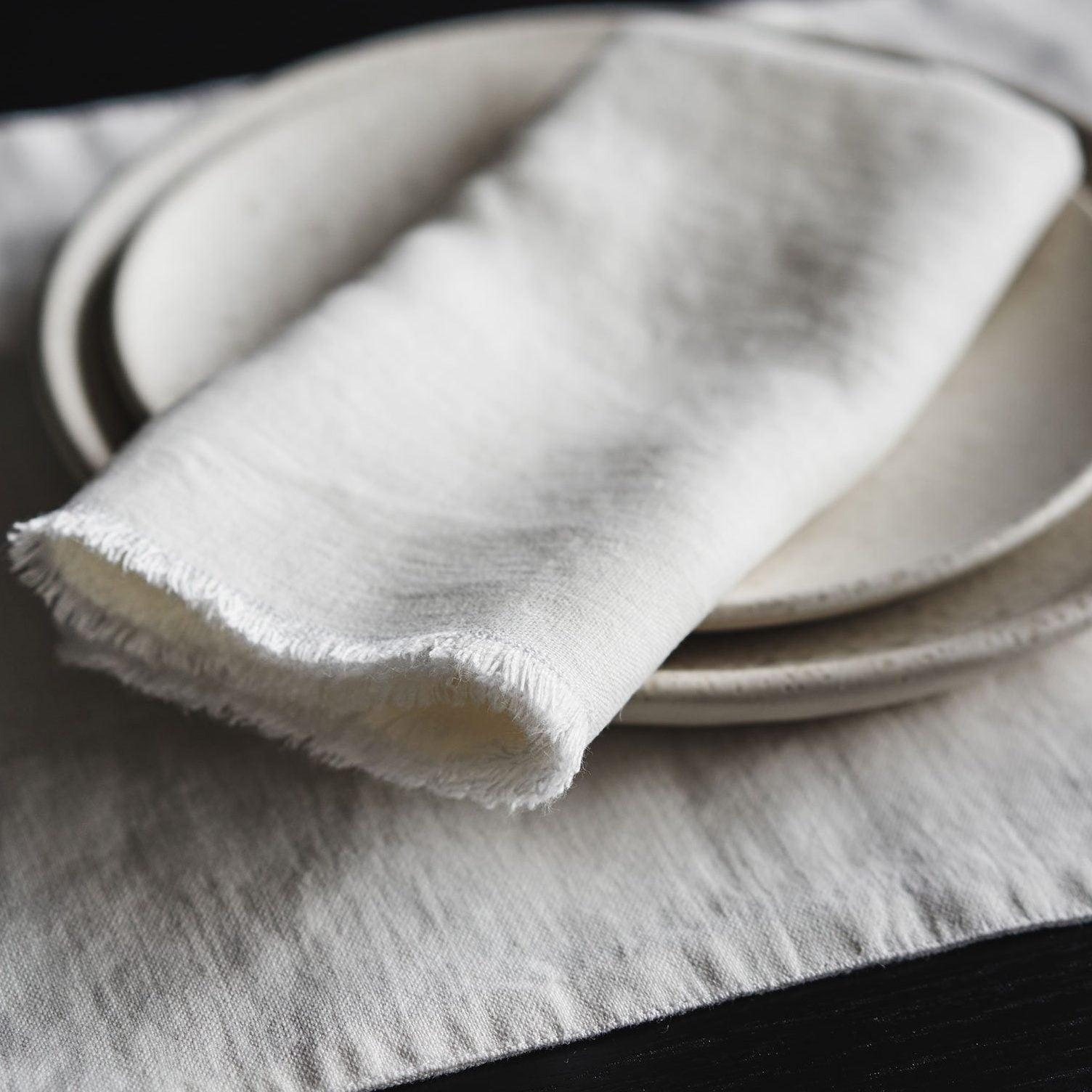 rw_guild_product_flax_linen_white_napkin_e2d0c0cd-07c7-4697-8511-6f38002f170d