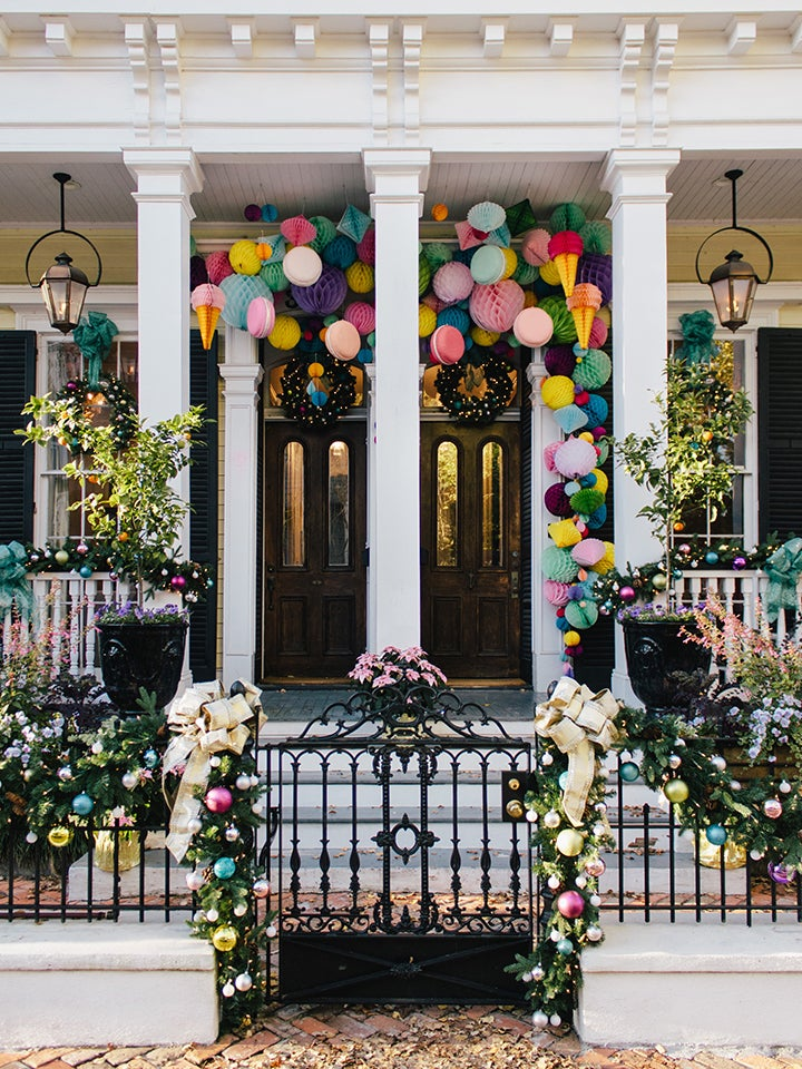 6 Modern Ideas for Getting Your Front Door Looking Holiday-Ready