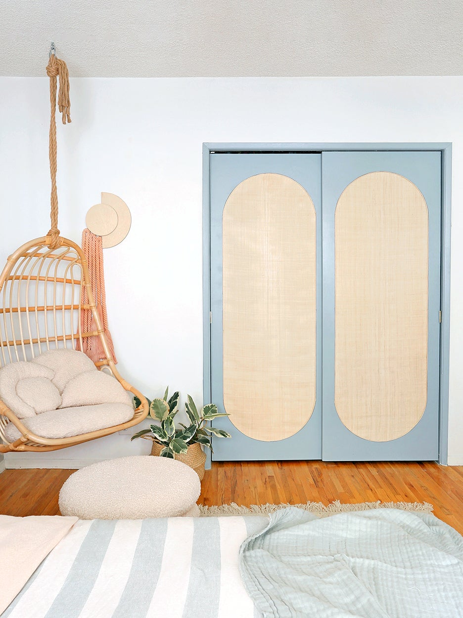 00-FEATURE-closet-door-DIY-domino