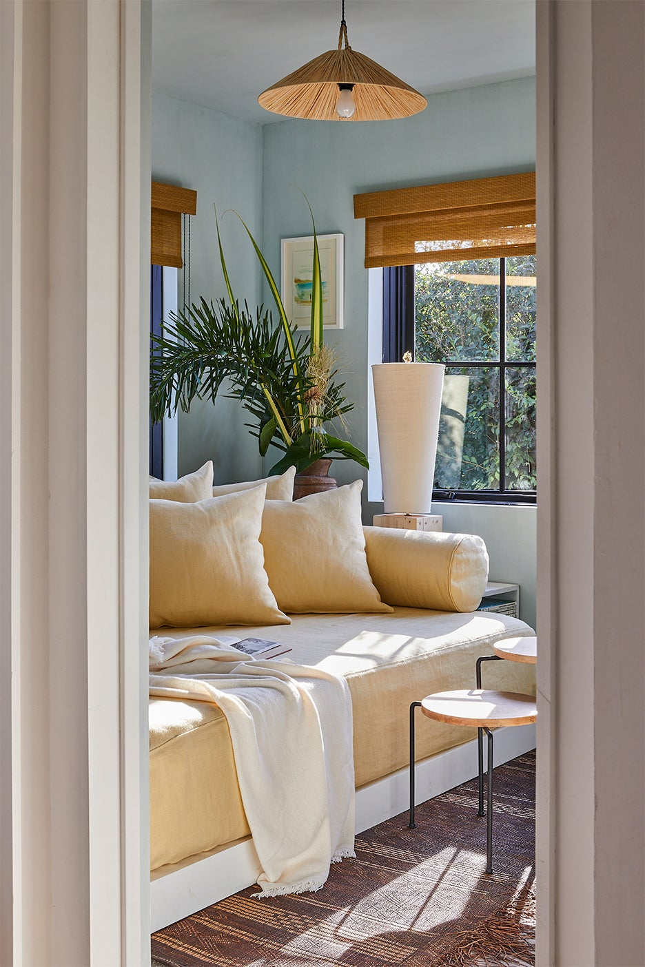 Woven raffia window shade