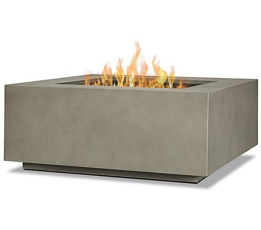 Amanda Seyfried's $285 Smokeless Firepit Is Flying Off the Shelves
