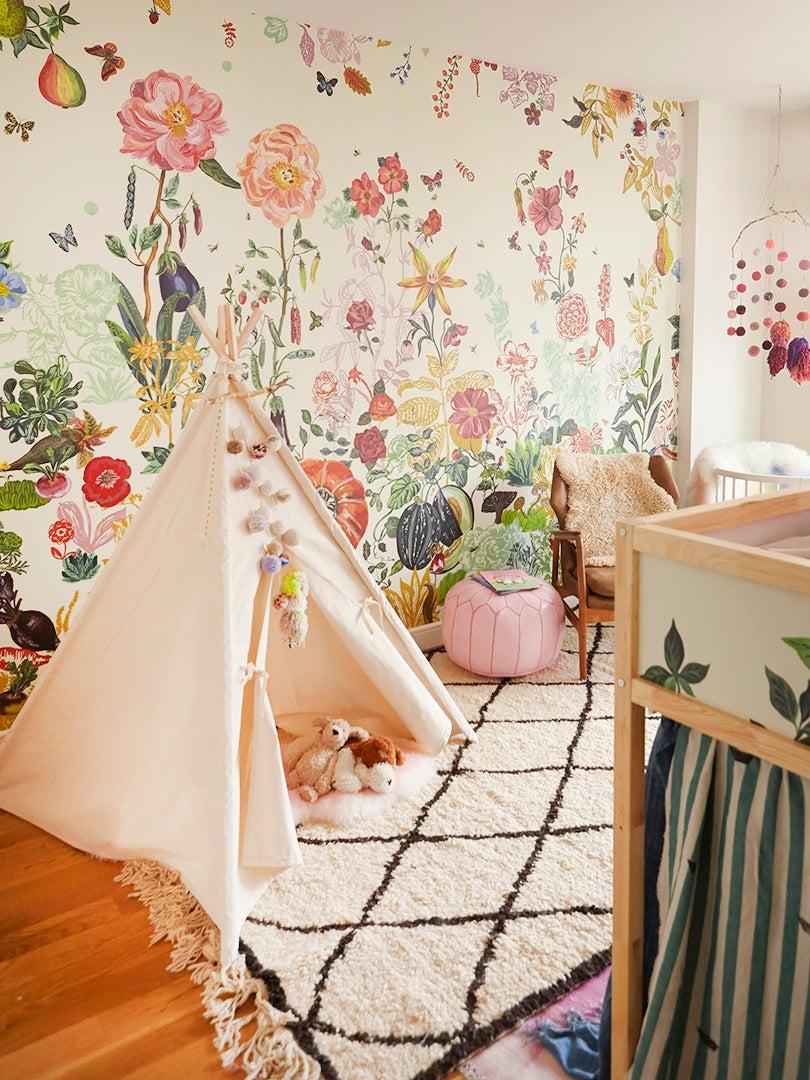 Floral themed kids room