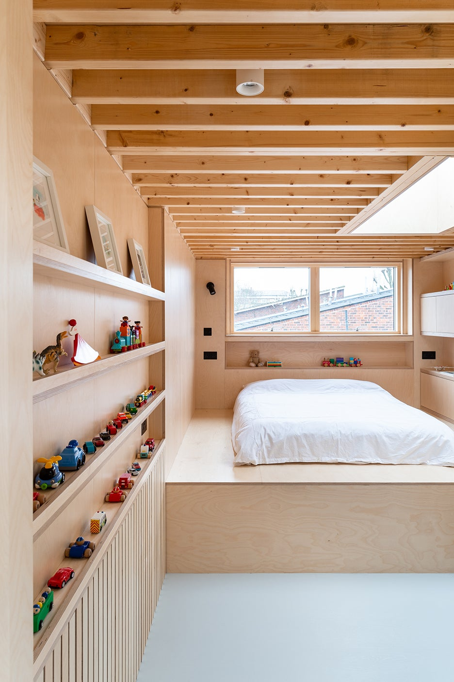 mattress on plywood platoform