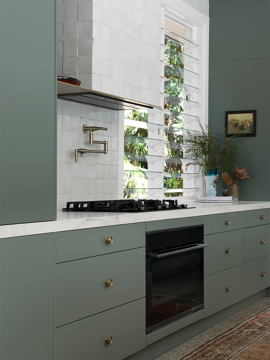 The Kitchen Cabinet Color That Ll Take 2021 By Storm And How To Decorate Around It