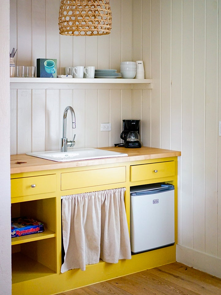 Yellow kitchen cabinet color