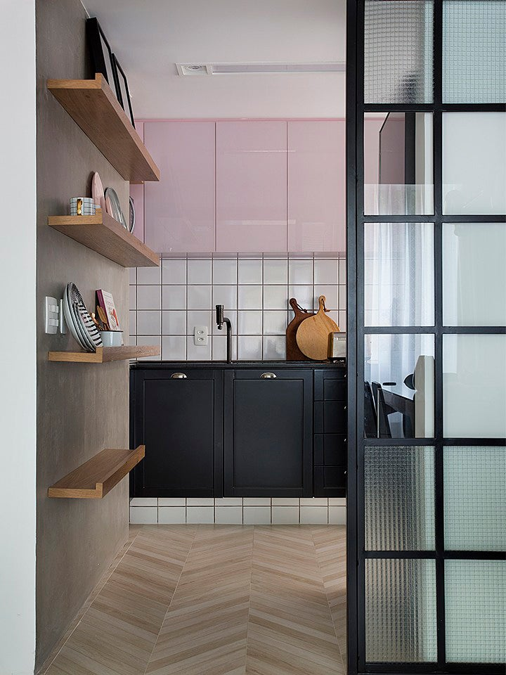 Pale pink and black kitchen cabinet colors