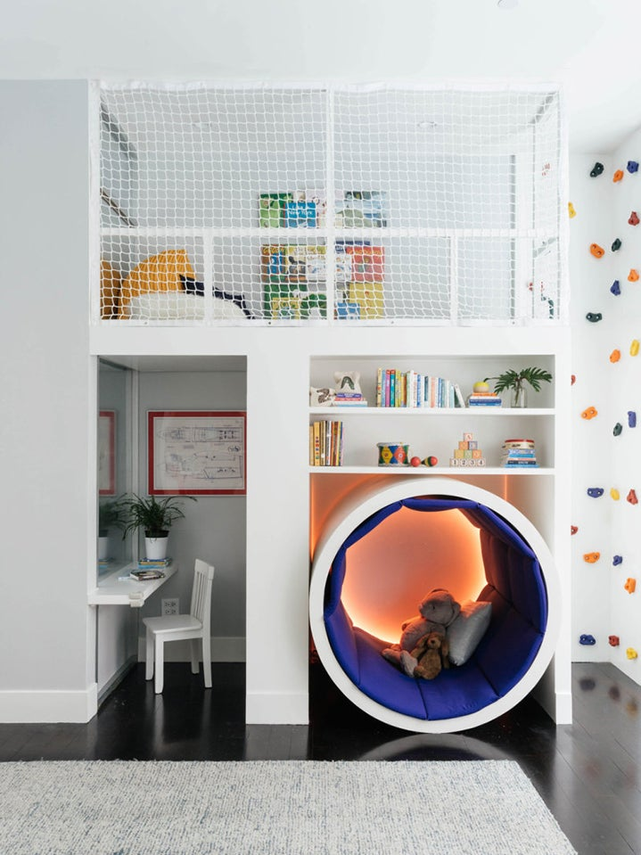 00-FEATURE-Wonder-Filled-Experiential-Pop-Up-Domino