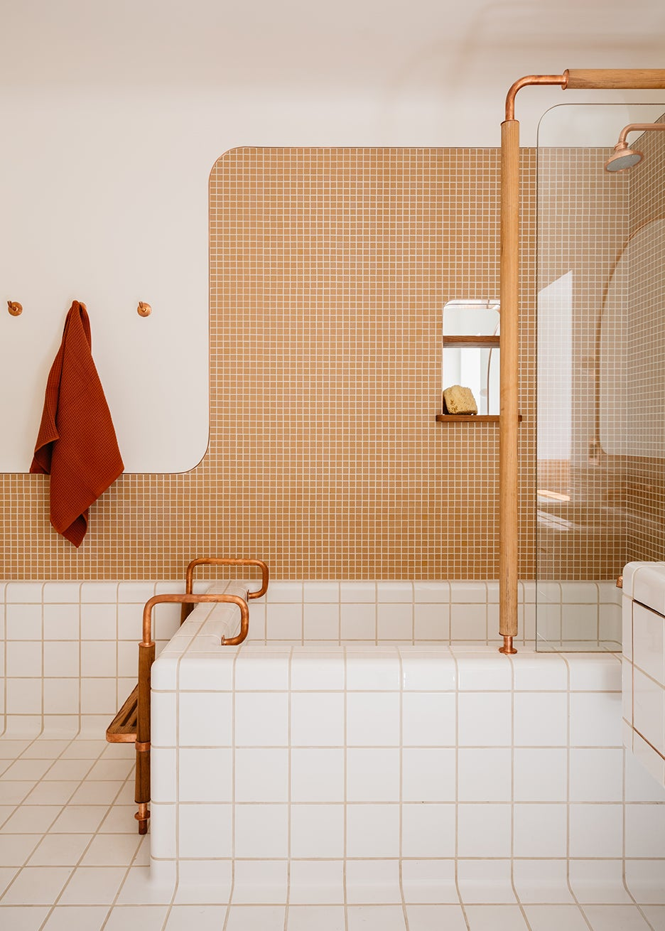 tiled tub with ladder