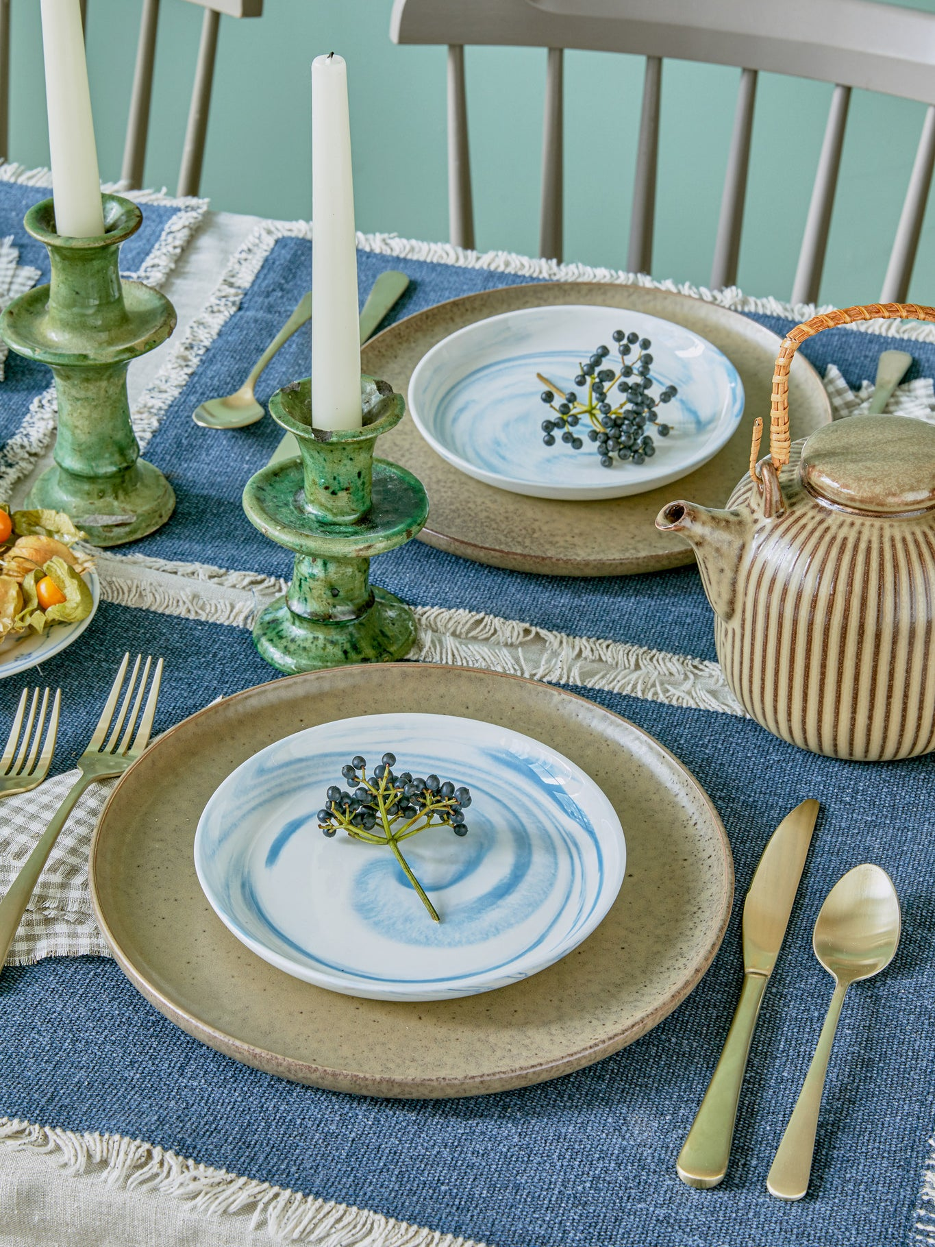 California Beaches Inspired Our Associate Style Editor's Holiday Table