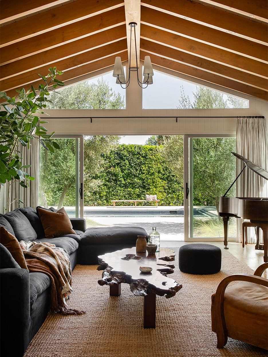 vaulted living room ceiling