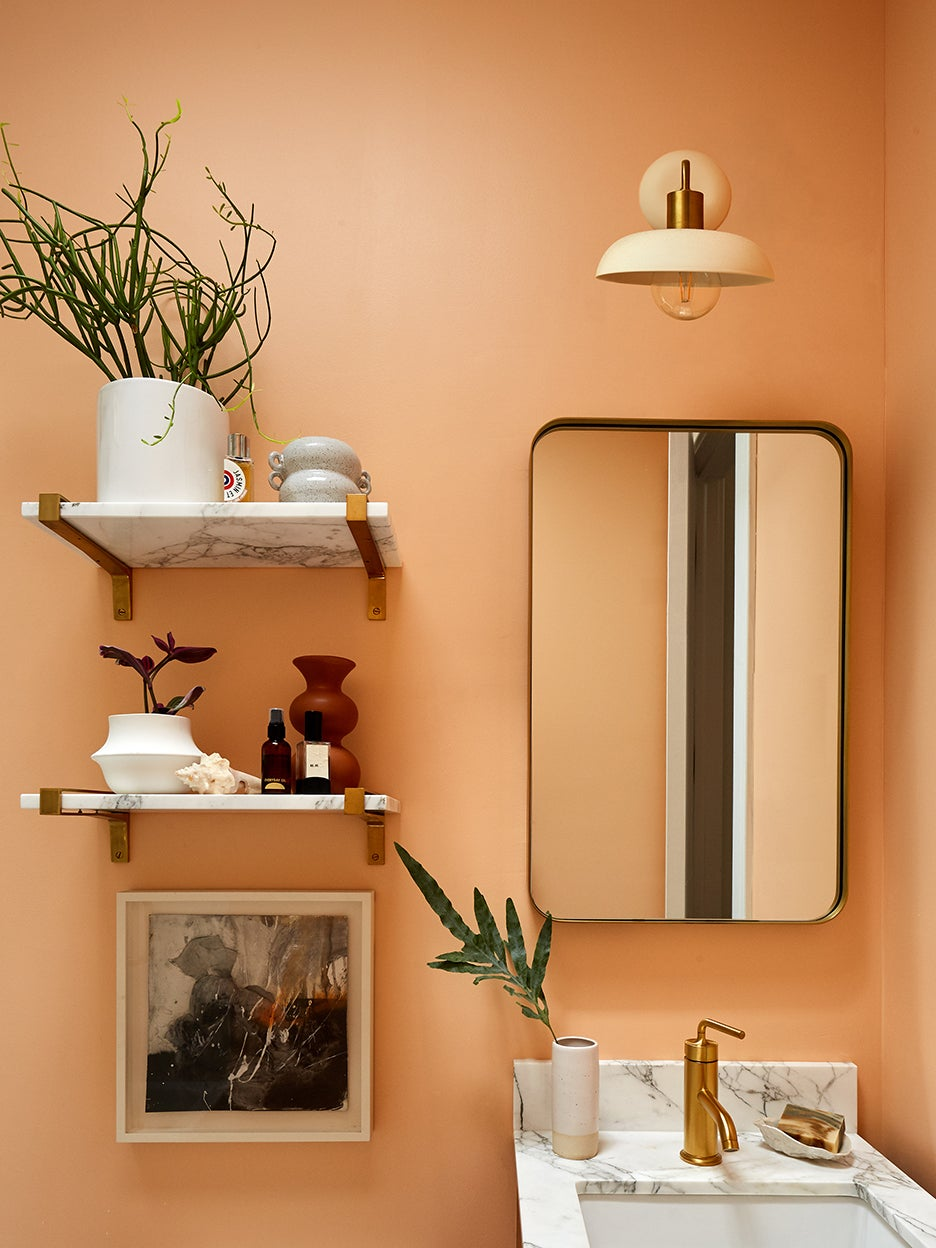 A Medicine Cabinet Move Instantly Opened Up This 35-Square-Foot Bathroom
