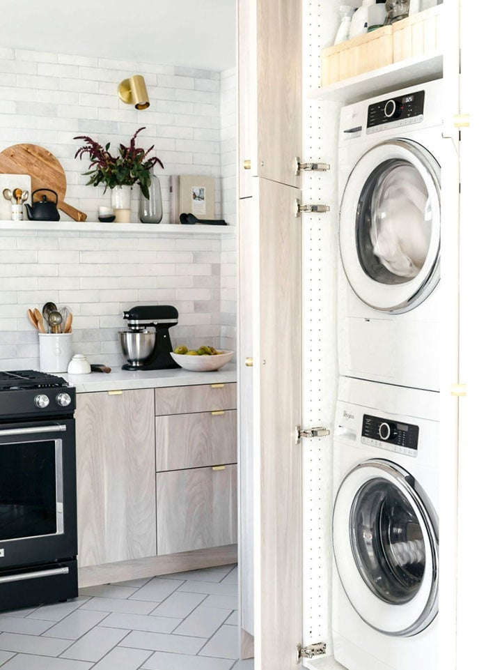 laundry machines in a kitchen