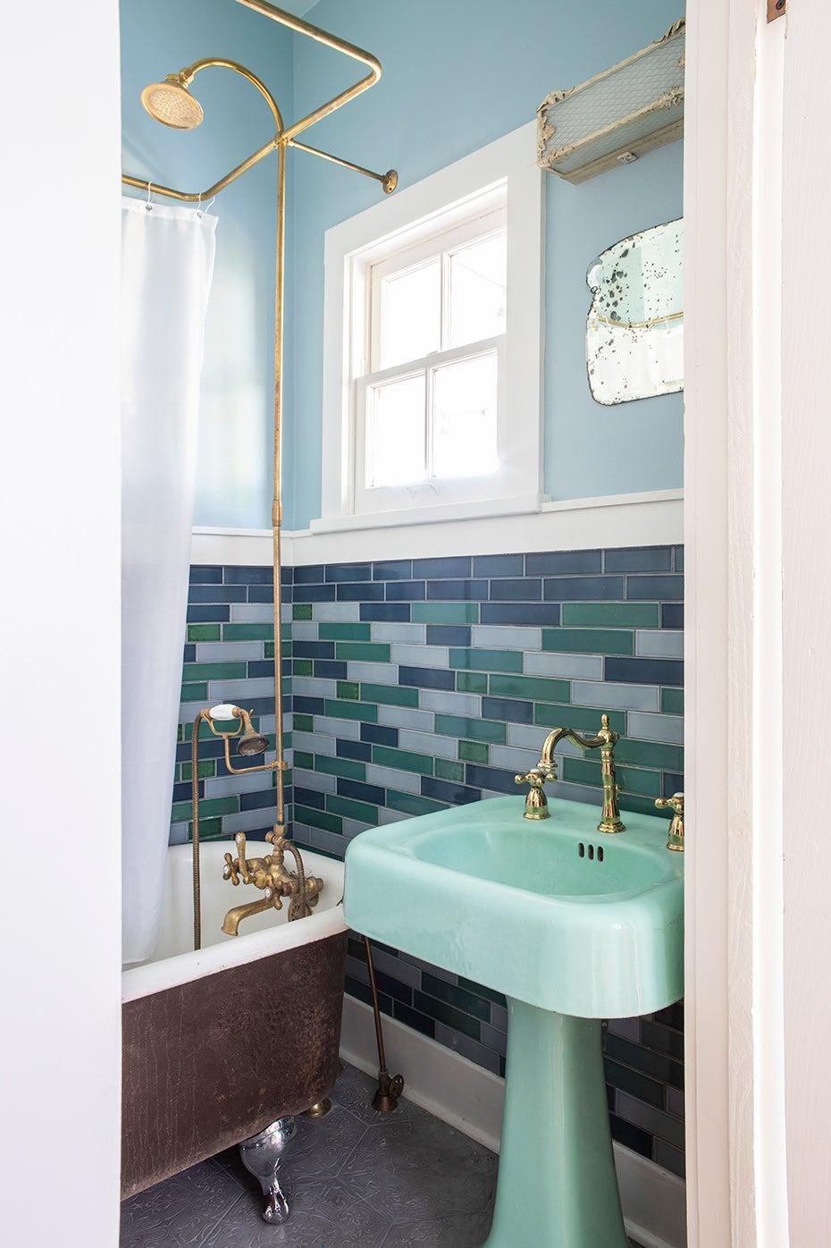 Turquoise vintage bathroom
